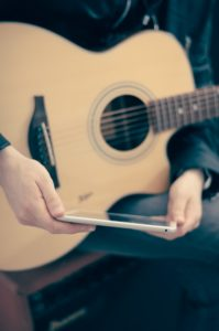 Teaching yourself to play guitar