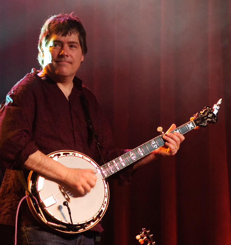 Bela Fleck Playing Banjo - Best Banjo Players of All Time